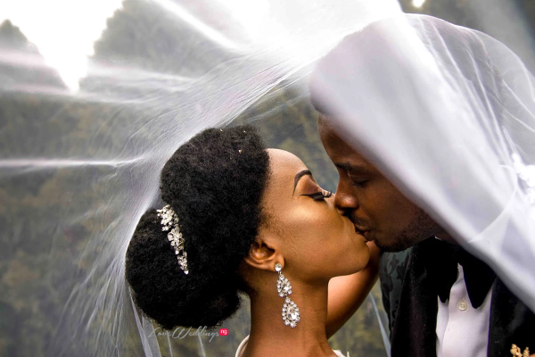 50 Nigerian wedding photos to mark International Kissing Day