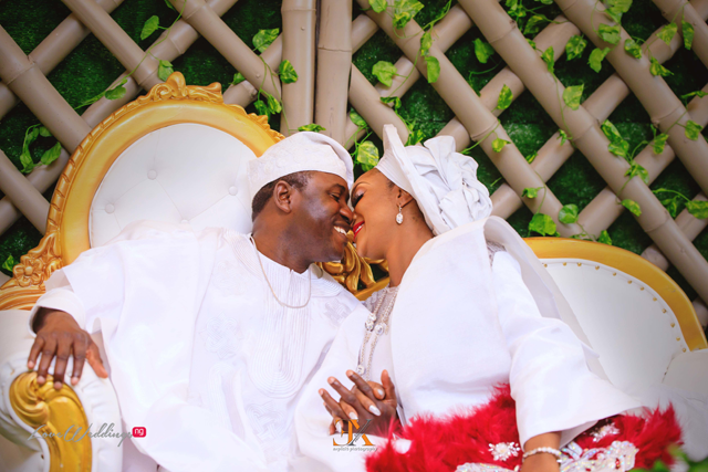 Omolola & Tunbosun's white traditional wedding