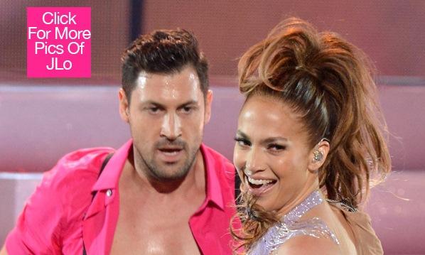 Jennifer Lopez Dating Maksim Chmerkovskiy???