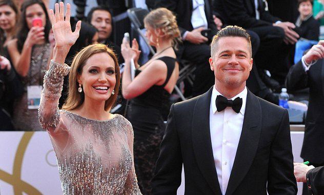 Angelina Jolie & Brad Pitt are married