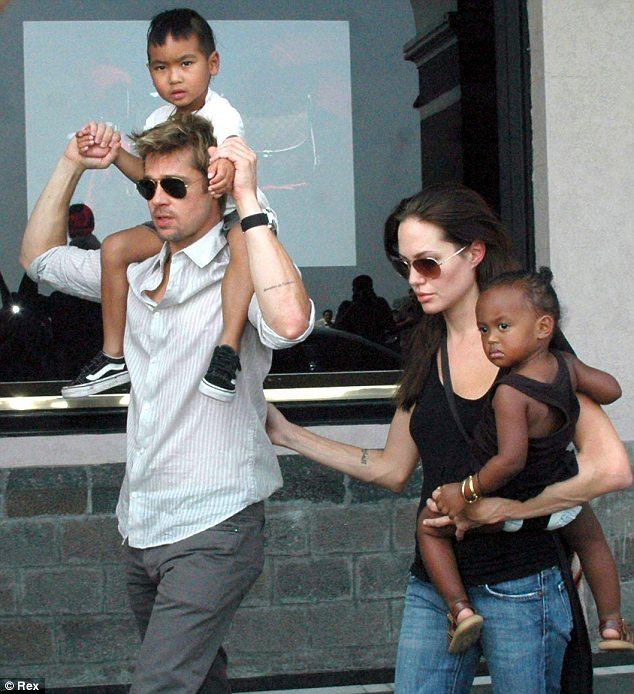 Brad Pitt Angelina Jolie Married Loveweddingsng5