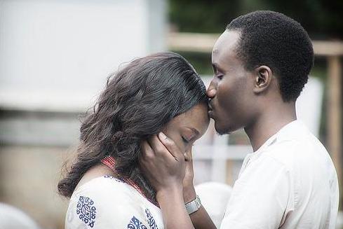 Tolu Ogunlesi weds Kemi Agboola Loveweddingsng3