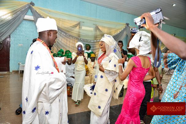 LoveweddingsNG Traditional Wedding Folusho and Temitope Godwin Oisi Photography13