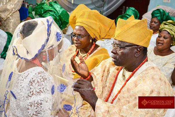LoveweddingsNG Traditional Wedding Folusho and Temitope Godwin Oisi Photography17