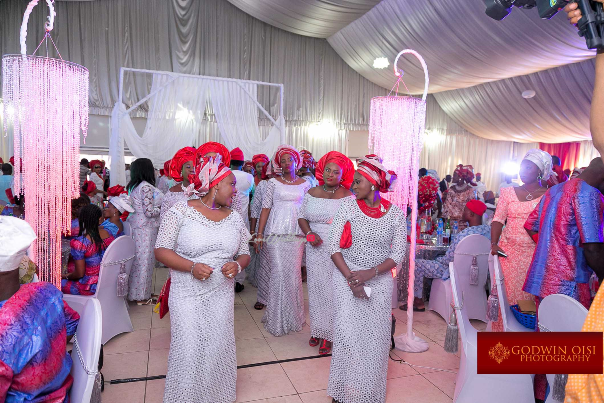 LoveweddingsNG Mope and Femi White Wedding Godwin Oisi Photography17
