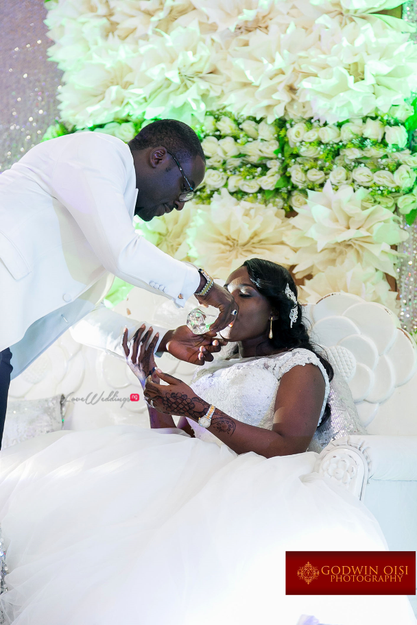 LoveweddingsNG Mope and Femi White Wedding Godwin Oisi Photography36
