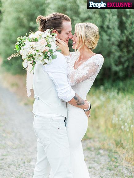 Florida  Georgia Line Singer - Tyler Hubbard weds Hayley Stommel LoveweddingsNG