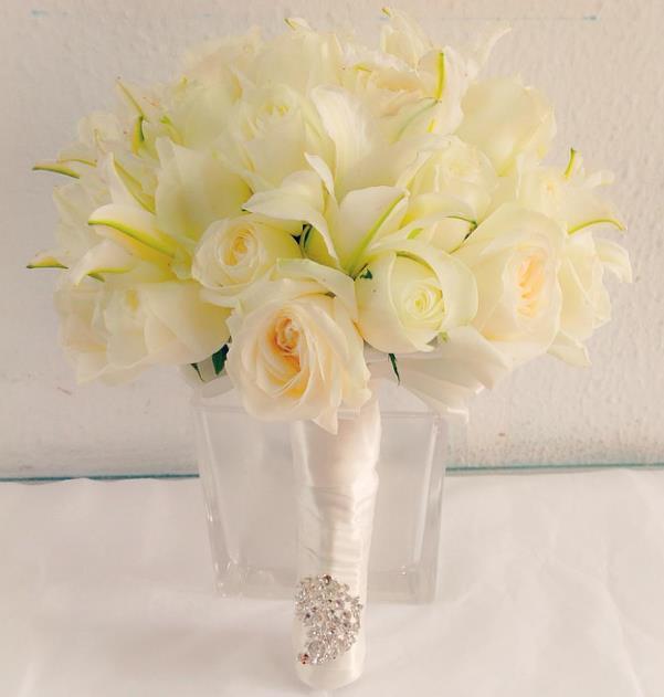 Nigerian Bridal Bouquet Lovebug NG LoveweddingsNG