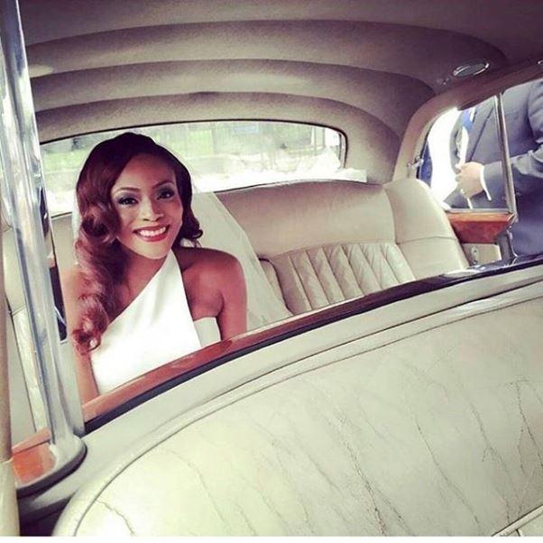Dolapo Oni Gbite Sijuwade White Wedding - LoveweddingsNG4