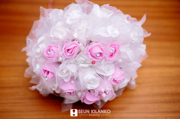Nigerian White Wedding Folake and Dotun Seun Kilanko Studios LoveweddingsNG Bouquet