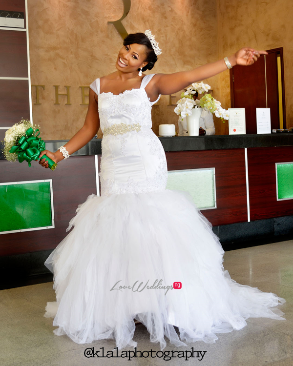 Nigerian Bride and Bouquet Anu and Toye LoveweddingsNG Klala Photography 2
