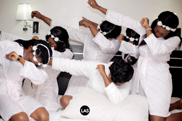 nigerian-bride-and-bridesmaids-oya-dab-loveweddingsng