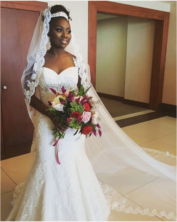 Onazi Ogenyi Sandra Ogunsuyi White Wedding Photos Bouquet LoveweddingsNG