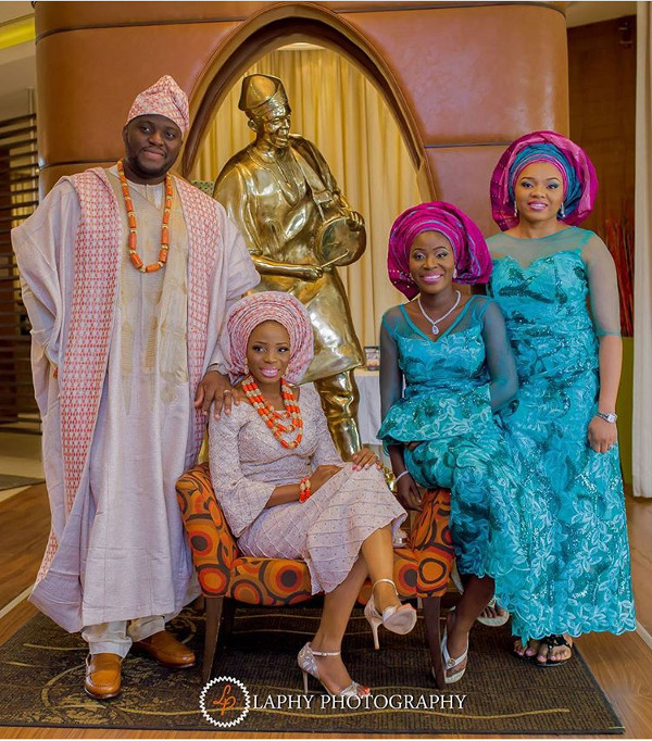 Popular Lagos Wedding Statue LoveweddingsNG Laphy Photography