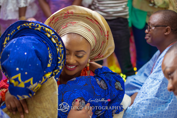 Nigerian Traditional Bride and mum hug Adefunke & Adebola Diko Photography LoveweddingsNG