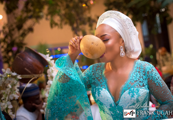 Nigerian Traditional Wedding Guest Palm Wine Kunbi Oyelese Lanre Tomori LoveweddingsNG