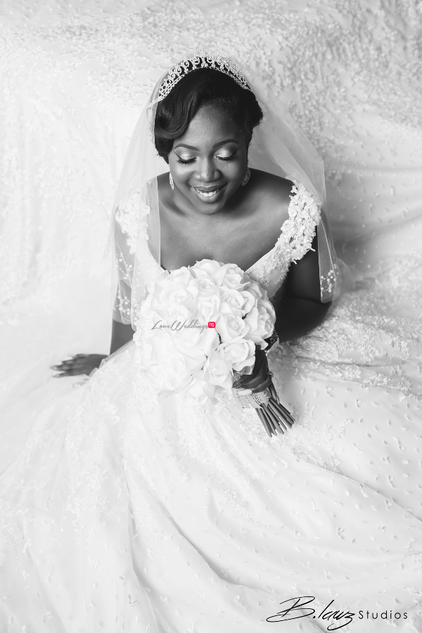 nigerian-bride-bouquet-tito-and-aham-ibeleme-wedding-b-lawz-studios-loveweddingsng-1