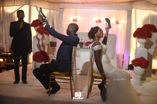 nigerian-bride-and-groom-the-shoe-game-moji-and-fola-loveweddingsng