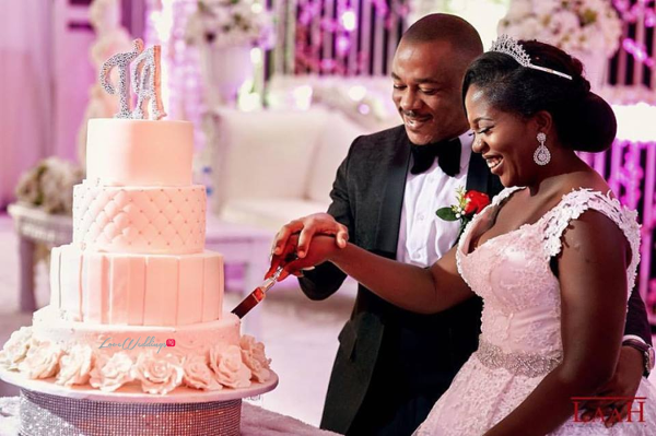 nigerian-bride-and-groom-tito-madu-and-aham-ibeleme-cake-wedding-laah-photography-loveweddingsng