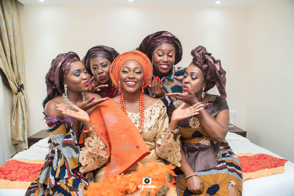 nigerian-traditional-bride-and-friends-moji-and-fola-loveweddingsng