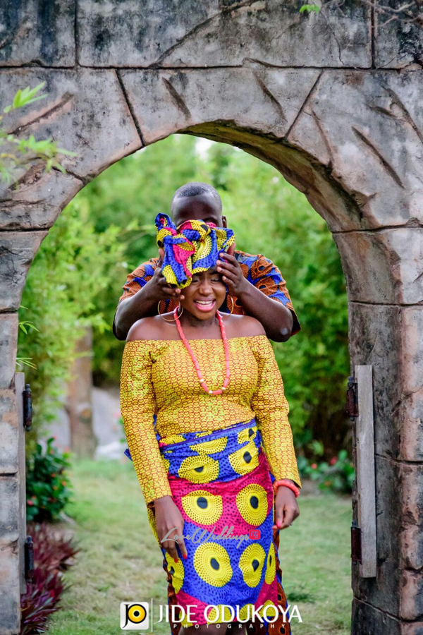 nigerian-traditional-prewedding-shoot-pda-the-wedding-trendybee-events-loveweddingsng