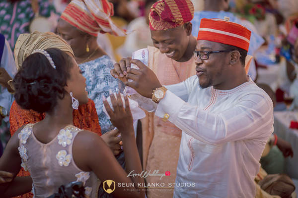 Nigerian White Wedding Bride and Groom Spray Lamide and Biodun Seun Kilanko Studios LoveweddingsNG