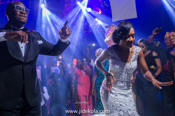 nigerian-bride-and-groom-dancing-chioma-agha-and-wale-ayorinde-jide-kola-loveweddingsng-1