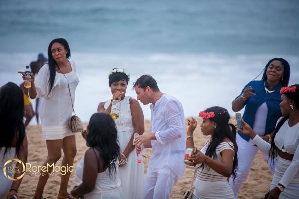nigerian-italian-wedding-bride-and-groom-dance-raremagic-gallery-loveweddingsng-2