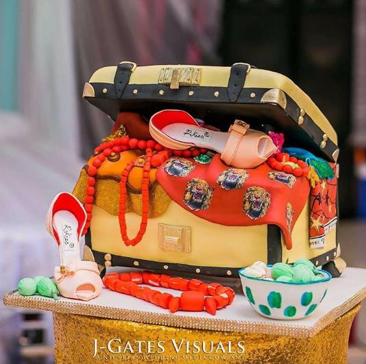 nigerian-traditional-wedding-cake-rikies-cakes-loveweddingsng
