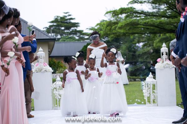 nigerian-bridesmaid-and-little-brides-frank-and-maureen-dubai-destination-wedding-jide-kola-loveweddingsng
