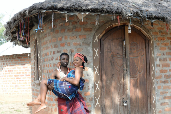 nigerian-traditional-prewedding-shoot-victor-and-chizzy-sculptors-events-loveweddingsng