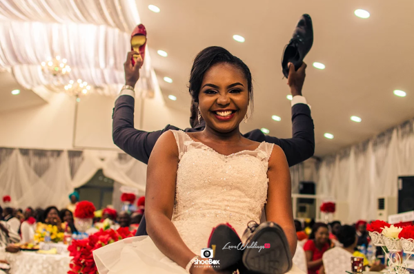 nigerian-couple-the-shoe-game-aloy-and-grace-sculptors-evens-loveweddingsng