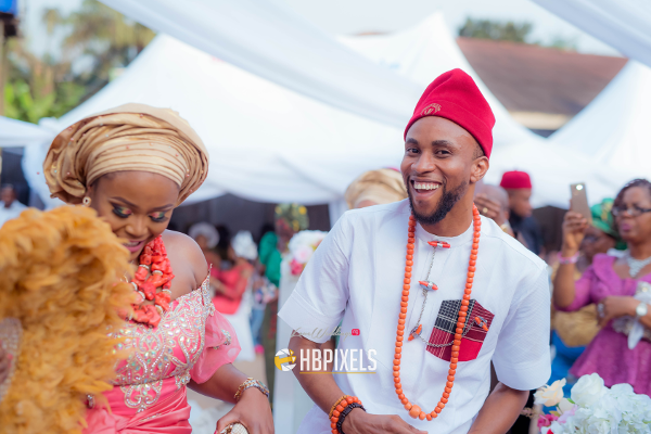 nigerian-traditional-igbo-bride-and-groom-ucheuche16-happy-benson-pixels-loveweddingsng-3
