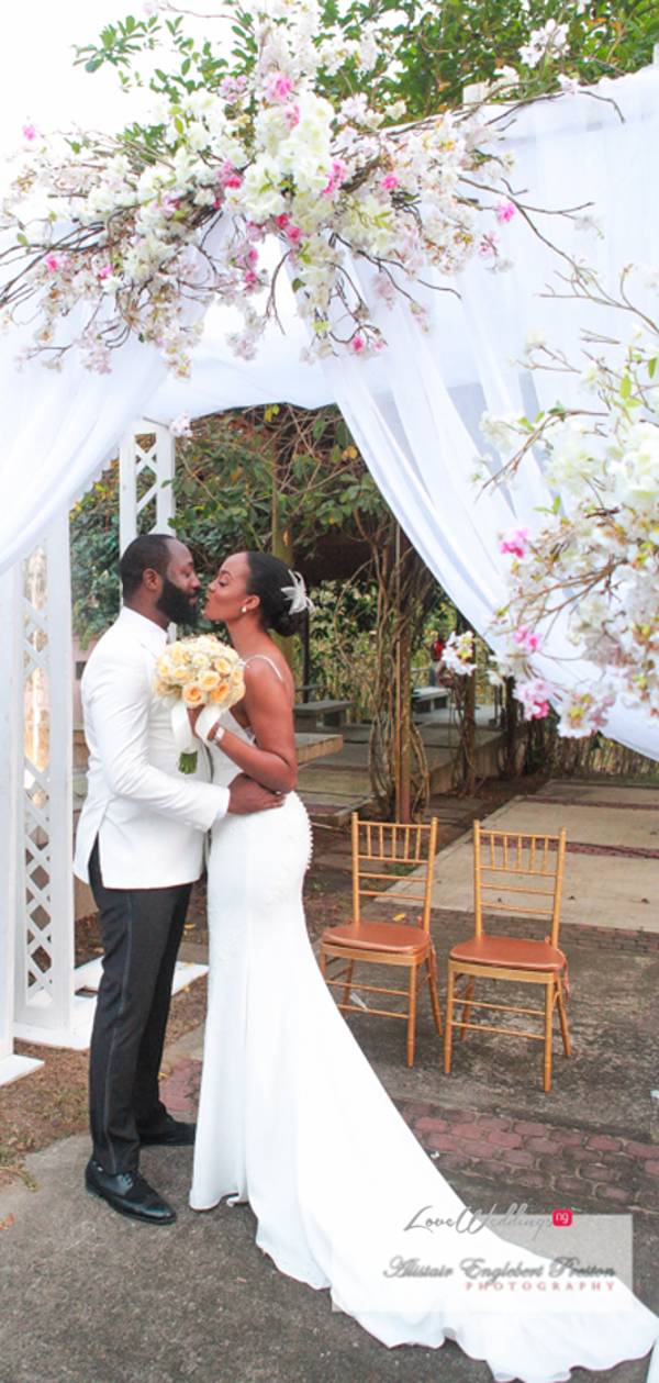Nigerian Bride And Groom Kiss Estelle Elvis