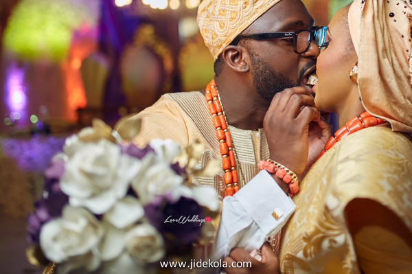nigerian-traditional-bride-and-groom-cake-lovebtween2017-jide-kola-loveweddingsng-1