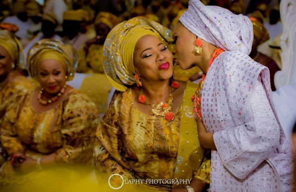 nigerian-traditional-bride-and-mum-princess-layebi-traditional-wedding-loveweddingsng