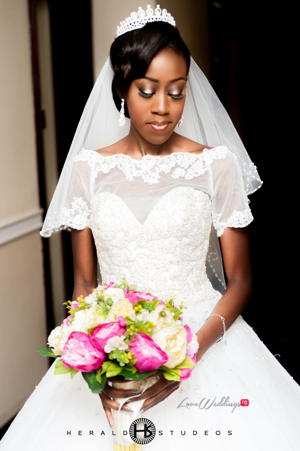 Nigerian bride and bouquet Tosin and Hassan Herald Studeos LoveWeddingsNG 1