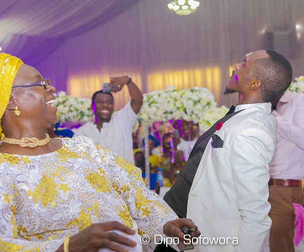 Nigerian Groom and Mum dancing LoveWeddingsNG