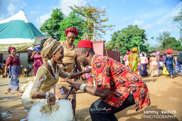 Nigerian Traditional Bride and Groom dancing Dr. Chioma & Dr. Onyedika Lemmy Vedutti Photography LoveWeddingsNG 1