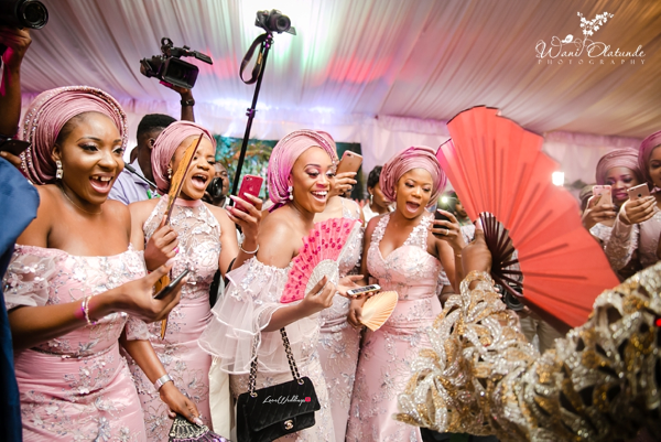 Nigerian Traditional Bride and Aso ebi ladies Wani Olatunde Photography LoveWeddingsNG