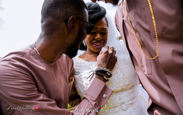 The moment when this Nigerian bride realised she'll miss her brothers