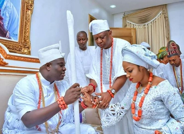 The Ooni of Ife weds, #MeettheFrimpongs2018, #AskWendy & More | Last week's wedding news