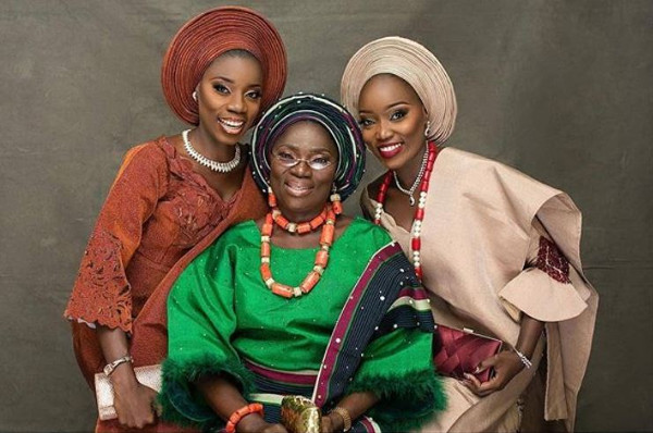 Nigerian sisters, Olabanke & Olaide got married on the same day | #LoveontheDouble