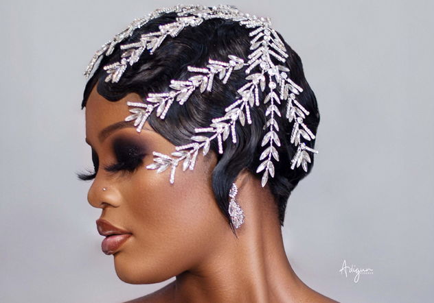 This look is screaming black bridal perfection