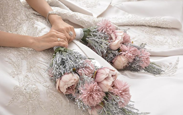 2020 Brides, there's a new bridal bouquet in town | #LWNGLoves