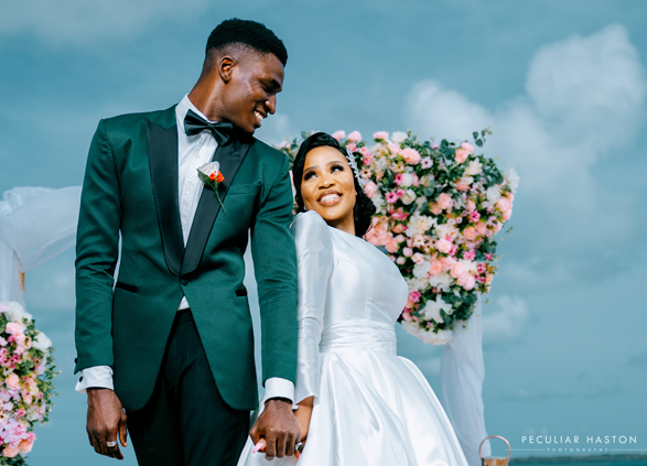 This intimate beach wedding set up is stunning | 0208 Exquisite Events