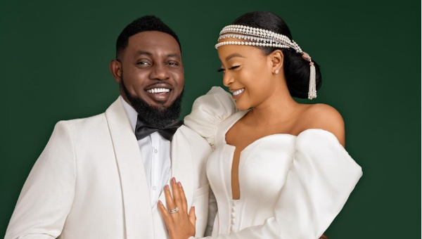 Debola Lagos is getting married, Timi Dakolo surprises 8 couples in Abuja & more wedding news