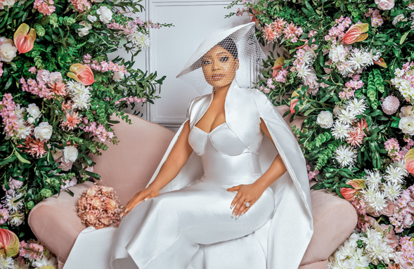 Ewa's vintage-inspired civil bridal look is perfect!